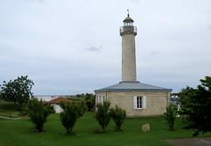 Richard lighthouse / Phare Richard (18 m) (Sokleine) Tags: lighthouse france heritage 33 estuary richard phare aquitaine gironde mdoc estuaire pharerichard