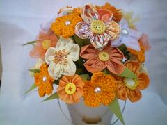 100_4359 (Alba Aragão) Tags: flores fuxico buquê tecido arranjo