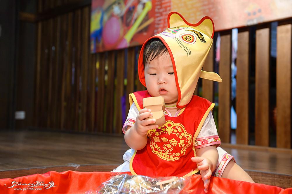 兒童抓周,兒童寫真價格,寶寶攝影,寶寶寫真,親子攝影,全家福合照,兒童抓周攝影寫真,寶寶居家寫真,宜蘭傳統藝術中