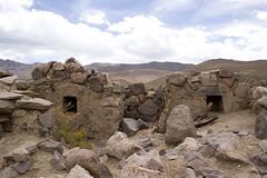 Sajama16 (Marisela Murcia) Tags: bolivia sajama chulpas nationalparksajamaaltiplanobolivianoculturaprehispánicacarangas chullpaspolicromas