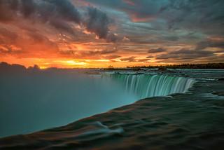 Sunrise at Niagara Falls, Ontario