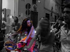Dynamic vs. Static (Br1Johnny) Tags: italy colour girl strange bike grey dynamic pov bikes italu curly e static della amici moh castellammare pedala stabia filangieri