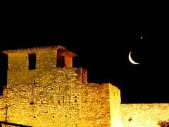 Venus junto a la Luna 26-2-14 (calafellvalo) Tags: gay moon hug venus luna lovers cuddle embrace abrazo inlove amantes lesbianas astronomía paramour calafellvalo planetvenus planetvenusbythemoon venuslunaabrazomoongayastronomíahugcalafellvaloembracelovelesbians