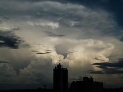 (IgorCamacho) Tags: above light sunset brazil sky storm luz paran brasil clouds cu southern cielo nubes tormenta nuvens thunderstorm luzes nuvem sul anoitecer anvil severeweather cumulonimbus tempestade acima temposevero