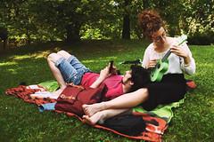 Legami (Marta Marcato) Tags: park woman verde green love primavera nature girl grass donna spring couple young natura erba amore ragazza coppia giovane nikond7200