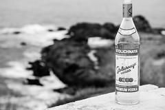 La botella esperando al pirata (juan_jest) Tags: white black blanco y negro monocromtico