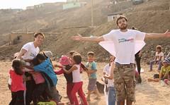 A big hug! (Gonzalo.Cachay) Tags: peru lima volunteering ong voluntariado carabayllo minkando