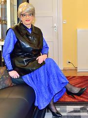 Ingrid022008 (ibach411) Tags: leather dress skirt mature faux waistcoat pleated kleid weste kunstleder faltenrock