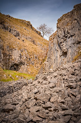 2016-04-08 14-33-01  2016 Mariusz Talarek (Mariusz Talarek) Tags: uk england nature walking landscape outdoors countryside nikon outdoor hiking yorkshire dslr northyorkshire pennines rambling malham naturephotography naturelover malhamdale landscapephotography outdoorphoto d90 naturephoto naturephotographer outdoorphotography onahike outdoorphotographer nikond90 landscapephotographer landscapephoto mtphotography addicted2walking