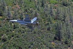VFA-113 Stingers F/A-18E (airattackimages) Tags: b point us bravo united low navy super level e rhino hornet states f18 usn sidewinder superbug fa18 superhornet stingers fa18e vfa113