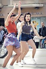 Festa de la Primavera Vintage - Reus 2016 (German SC) Tags: street portrait urban woman primavera festival vintage spring performance catalonia urbana catalunya pinup carrer reus dona retrat actuaci tamron55200 atravsdelvisor sonyalphadslta65 germansc