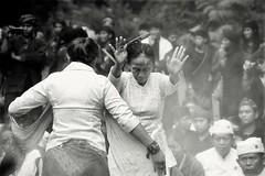 Ngertakeun Bumi Lamba #08 -blessing dance- (dqsetiadi) Tags: ngertakeunbumilamba sundaculture sundawiwitan sunda nusantara indonesiaculture blessingdance blackandwhite