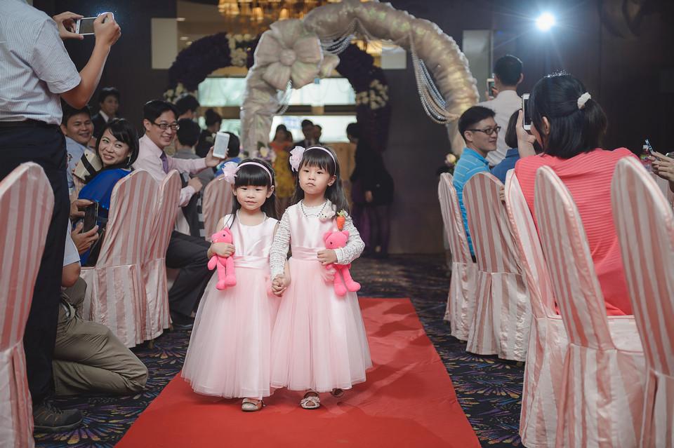 婚禮攝影-台南情定婚宴城堡永康館-37