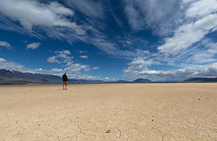 Waaater... oh, it's right there in your hand. (D. Inscho) Tags: clouds playa cirrus alvorddesert steensmountain easternoregon zeissdistagon15mm