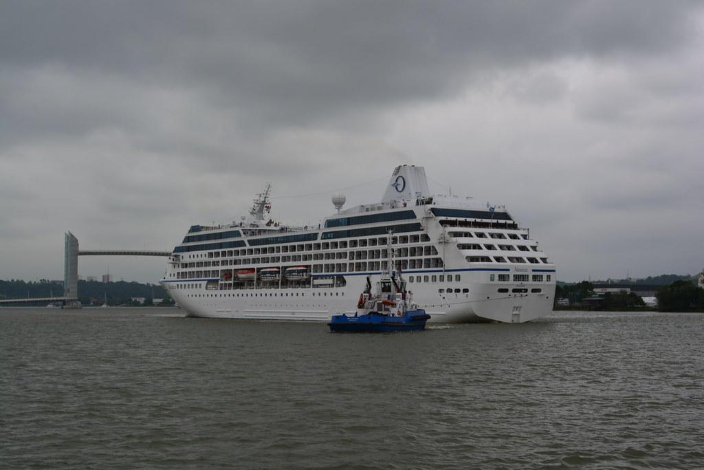 Arrivée du paquebot MS NAUTICA d'Oceania Cruises - Bordeaux - 17 juin 2013