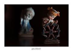 Fidati_di_me! (Danilo Mazzanti) Tags: lowkey danilo mazzanti d90 statuine fiducia drammatico bamboline danilomazzanti