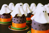 Happy Halloween! (charly's cakes) Tags: orange halloween cakes happy purple sweet ghost cream icing vanilla happyhalloween donostia nutmeg fondant minicakes bizcocho royalicing sugarcraft cakelondon sweetghost miniroundcake