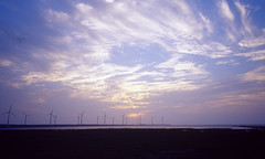 Sunset at Gaomei (GMilo) Tags: kodak 28mm taiwan gr1s e100vs ricoh