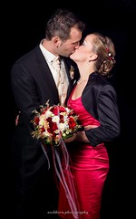 Wedding Shot HighSpeedSync (eschborn.photography) Tags: red black rot dark groom bride holding kiss kissing couple jung pretty day dress background tag young bouquet tight blitz hochzeit schwarz hold eng dunkel kuss anzug straus hintergrund drak braut brutigam kleid haltend schn bouque eschborn eschbornphotography