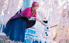 Frozen | Into the Magic (chris.alcoran) Tags: lighting chimney anna white snow color ariel water colors canon court project mouse photography eos three frozen king dancers princess time little disneyland pirates magic mary lion royal bert tinkerbell disney mickey parade frog peter step aurora captain coloring belle monkeys pan cinderella minnie tiana hook mermaid aladdin flappers performers rapunzel elsa cymbal mickeys drumline 6d poppins sweepers 2015 soundsational cablers intothemagic