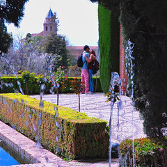 Love at first Sight (Vainsang) Tags: espaa kiss lovers alhambra granada grenade espagne generalife baiser amoureux