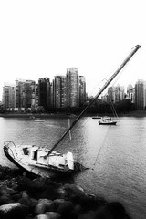 2016/366/144 Not Good (Edna Winti) Tags: vancouver sailboat falsecreek ednawinti 2016366