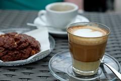 Kleines Frhstck (Sockenhummel) Tags: coffee breakfast keks cookie fuji fujifilm espresso frhstck cortado xt10 varzinerplatz sskramdealer fujixt10