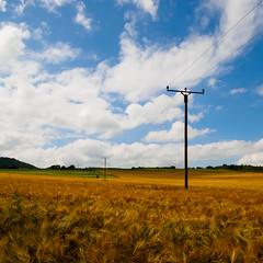 middle_west (Joerg Esper) Tags: sky cloud nature field clouds de landscape deutschland cloudy natur feld felder himmel wolke wolken olympus pole fields poles powerpole landschaft rheinlandpfalz strommasten wolkig strommast powerpoles plaidt bewlkt olympusomdem1 olympusmzuikodigitaled918mm14056