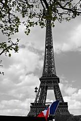 Pars (amayte13) Tags: paris france flag eiffel toureiffel torreeiffel bandera francia