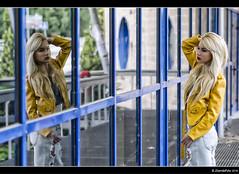 Alejandra - 2/5 (Pogdorica) Tags: sexy retrato modelo reflejo rubia sesion pasillo cuero cazadora posado