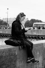 La gaufre (LACPIXEL) Tags: street blackandwhite woman paris france blancoynegro seine town calle mujer nikon flickr noiretblanc femme ciudad capitale fx rue waffle ville touriste gofre gaufre d4s nikonfrance lacpixel