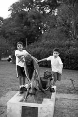 (gustavomorita) Tags: crianas esttua gustavomorita ibirapuera meninos parque parqueibirapuera porquinho selvasp sopaulo