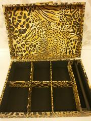 """Porta Joia Onça (2) (Caixa de Regalos) Tags: artesanato mdf artisanat craftwork oncinha portajoia tecido100algodão patchworkembutido """"caixas tecidoemmadeira"""