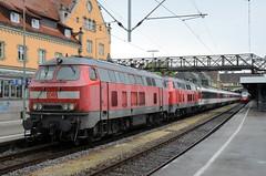 218 402 & 218 400 - Lindau Hbf - EC 195 (richa20002) Tags: rabbit diesel loco class locomotive bahn deutsche 218 eurocity