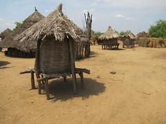 Los Karo, aldea en rio Omo. (escandio) Tags: karo 2010 tribu etiopia etiopa reinasaba etiopiasur