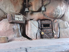 Brer Bear's Place (Mi-Wu) Tags: california bear mountain log ride disneyland critter country disney resort splash flume anaheim splashmountain brerbear crittercountry brer