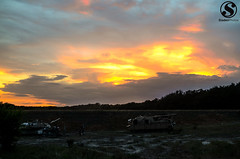 July's Maneuver training (TylerSladen) Tags: sunset 2 moon clouds america army boot texas tank photos military iraq tyler 25 rpg armor soldiers marines sep dust humvee m1a2 abrams tanker 120mm sladen boor m1a1 50cal 1bct 1cd