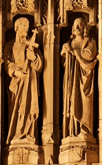 Saint Thomas Episcopal Church Reredos Saint Bartholomew and Saint Philip by Bertram Goodhue and Lee Lawrie, New York City (notmydayjobphotography) Tags: newyorkcity church statues philip episcopal saintthomas leelawrie reredos saintbartholomew bertramgoodhue