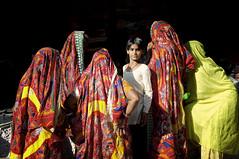 Pushkar.India (Pepe Posse) Tags: boy woman india nikon sari