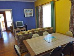 "Kookaburra Cottage Lounge • <a style=""font-size:0.8em;"" href=""http://www.flickr.com/photos/54702353@N07/9798887736/"" target=""_blank"">View on Flickr</a>"