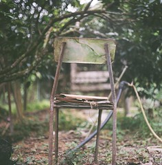 。。。 (Ifitis) Tags: trees light green abandoned 120 film leaves vintage mediumformat chair asia southeastasia kodak bokeh rusty malaysia medium pentacon portra p6 perak 160 pentaconsix czj grik