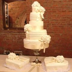 #weddingcake #tortamatrimonio #pasticceriapeggi #festadellamamma