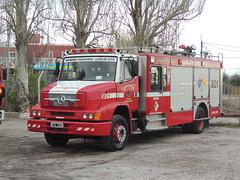 Imagenes 281 (Upper Uhs) Tags: fire firetruck mendoza mercedesbenz fireengine fires feuerwehr bomberos brandweer bombers autobomba bomberosvoluntarios lujándecuyo