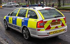 Hampshire Police Targeted Patrol Team Skoda Octavia VRS Area Car 4915 - HX60 KLK (IOW 999 Pics) Tags: car team police hampshire area patrol skoda octavia targeted vrs 4915 hx60klk