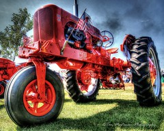 1955 Allis-Chalmers Tractor (Tom Mortenson) Tags: wisconsin tractor allischalmers hdr photomatix edgar farm agriculture digital tonemapping 24105l wi nostalgia edgarsteamshow marathoncounty canon6d antiquetractor farming centralwisconsin edgarwisconsin usa geotagged america farmequipment restored wd45 1955allischalmerswd45 northamerica antiquesteamgasshow midwest smalltown