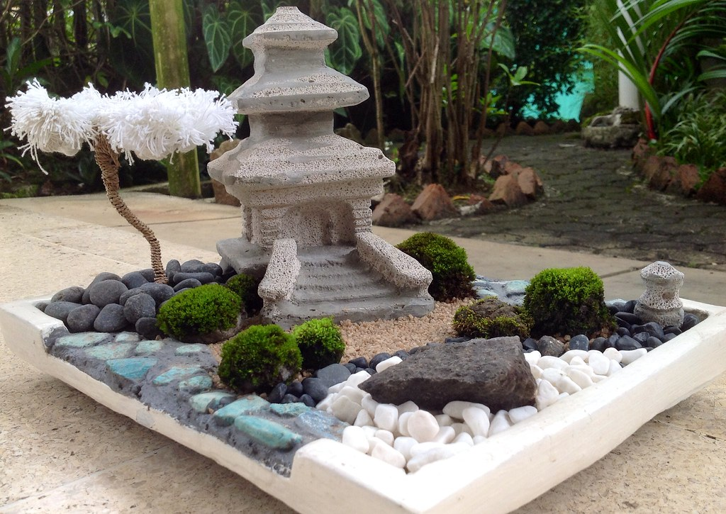 The world 39 s newest photos of miniature and zen flickr for Japanese mini garden design photos