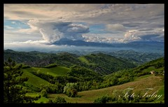 Panorama da Castel San Pietro (vitafabrizio59) Tags: panorama verde primavera alberi montagne italia nuvole cielo marche collin