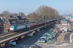 Delft NMBS 2802 (186 124) als IC 9240 Amsterdam Centraal - Brussel Zuid (Rob Dammers) Tags: delft molen februari 2015 luchtspoor bovengronds