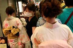 Kyoto - Nishiki Market (*maya*) Tags: food japan shopping kyoto mask market traditional crowd indoor kimono obi tradition mercato streetfood japanesegirls giappone cibo nishikimarket nishiki negozi mascherina bancarelle folla breathingmask filtermask
