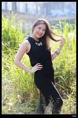 nEO_IMG_DP1U2567 (c0466art) Tags: light portrait black girl beautiful smile canon nose high ecuador blood mixed eyes natural sweet gorgeous ruin cloth charming taiwanese gyan 1dx c0466art